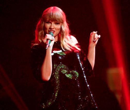 Taylor Swiftの2018年来日公演のセトリ予想。チケットごとの席とグッズ物販の関係(画像)